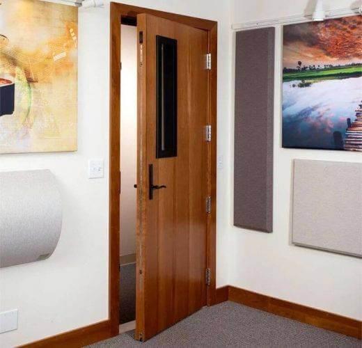 insonorizar habitacion puerta